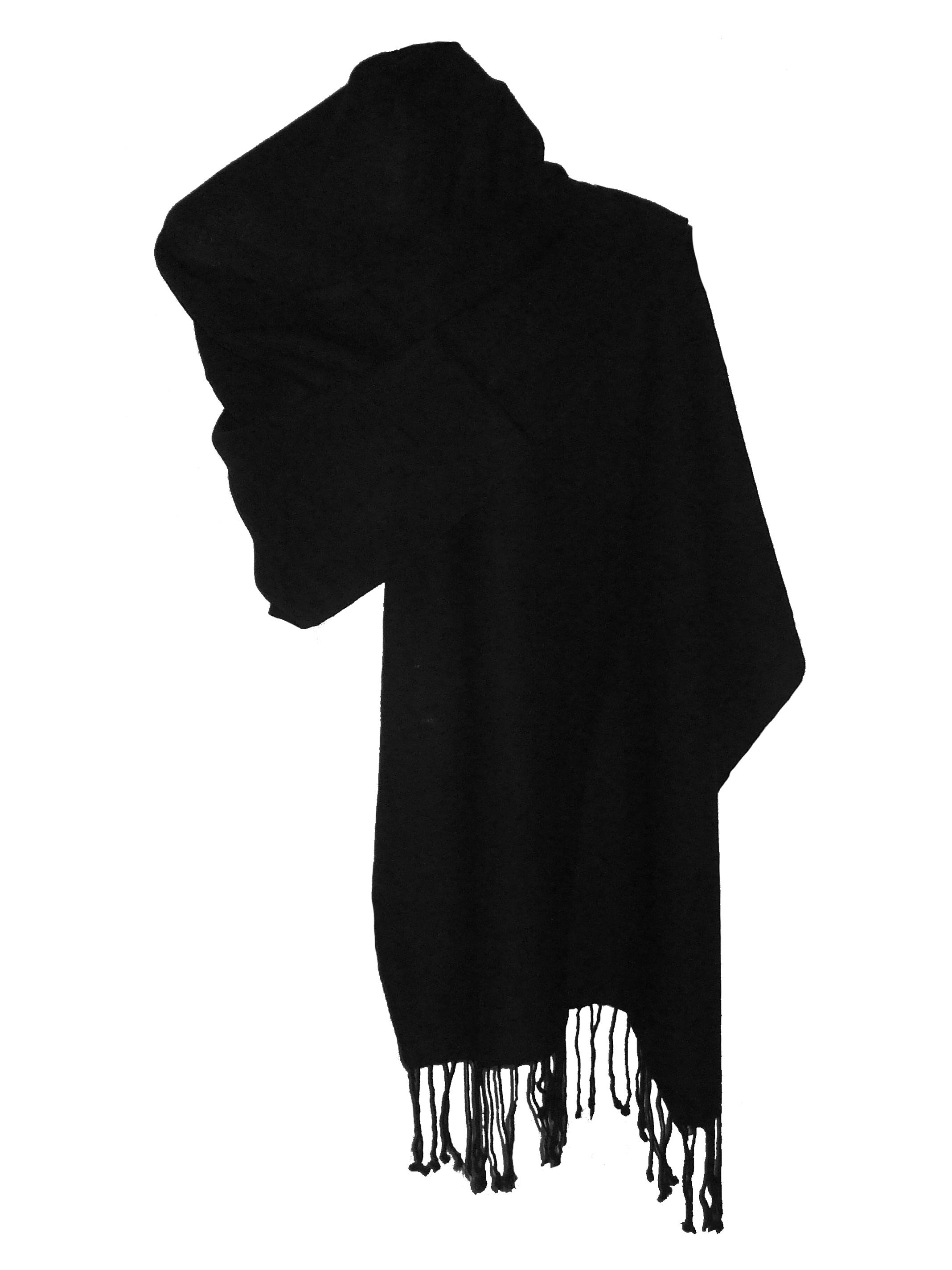 3486c0a87bf2 Echarpe noire laine grosse echarpe blanche   Travauxchezvous